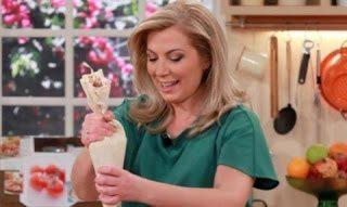 Η κουζίνα με την Ντίνα