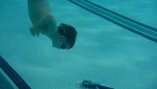 Μικρός...αλλά υπέροχος κολυμβητής