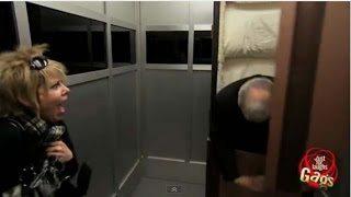 Τρομερή φάρσα. Μόνη στο ασανσέρ με ένα...νεκρό