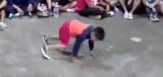 Ένας 8χρονος που μαγεύει με το ταλέντο του στο χορό
