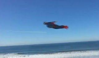 Είδαν τον Superman να πετάει πάνω από την Καλιφόρνια