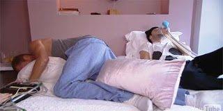 Δείτε πως βιώνουν οι άντρες τους πόνους της γέννας – Απίστευτο το αποτέλεσμα