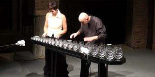 Δημιούργημα από τα ποτήρια νερού