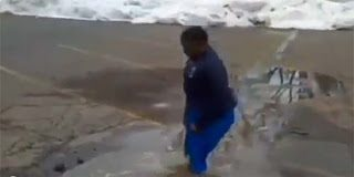Δείτε τι έπαθε από μια λακκούβα με νερό