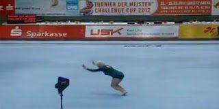 Η 86χρονη αθλήτρια που εντυπωσίασε τους θεατές στο στάδιο