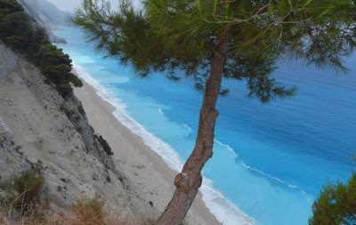 """Η παραλία """"Εγκρεμνοί"""" της Λευκάδας"""