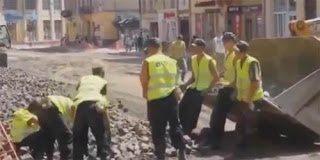 Ομαδική εργασία – Να πως δουλεύουν οι εργάτες στην Πολωνία