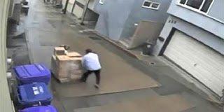 Video: Το λάθος του χειριστή λόγω κατηφόρας