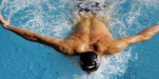 Να τι μπορεί να προκαλέσει το νερό που μπαίνει στην μύτη σας  κατά την κολύμβηση