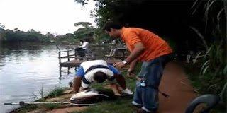 Κρίμα η υπερηφάνεια του ψαρά – Τον χαστούκισε το ψάρι
