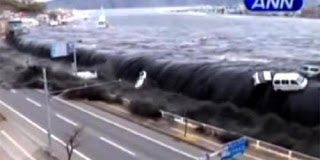 Το τσουνάμι στην Ιαπωνία όπως δε το έχουμε ξαναδεί