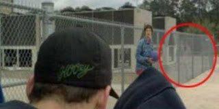 Απίστευτο - Γυναίκα φωτογράφισε φάντασμα έξω από το σχολείο...