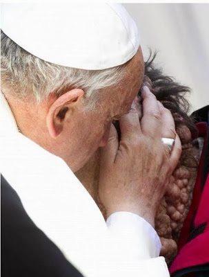 Η εκδήλωση αγάπης και ανθρωπιάς του Πάπα 2