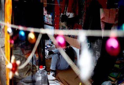 άστεγος Χριστούγεννα Αθήνα