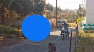 Ο αστυνομικός και η κατσίκα που κάνουν θραύση – Περιστατικό στην Κρήτη