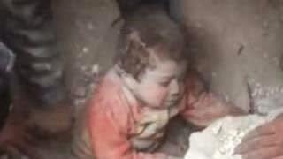 Συγκλονιστικό video – Η στιγμή της διάσωσης ενός μωρού στη Συρία