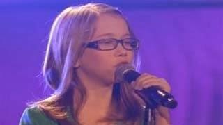 Ακούστε την 12χρονη που τρέλανε τους κριτές στο The Voice