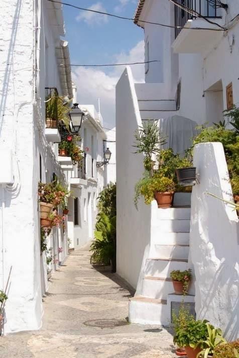 Φριγιλιάνα, Ισπανία