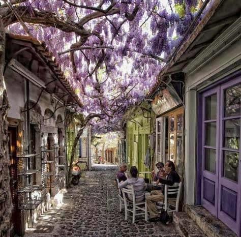 Μήθυμνα, Ελλάδα
