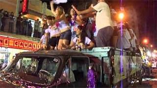 Δείτε πως ο τύπος κατέστρεψε το καρναβάλι της πόλης του σε κλάσματα δευτερολέπτου