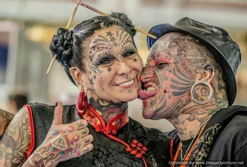 Τατουάζ, σκουλαρίκια