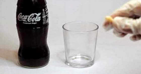 Έβαλε στην Coca-Cola ένα δόντι