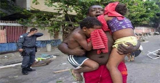 αστυνομία Βραζιλία πετάει ανθρώπους από τα σπίτια λόγω Mundial