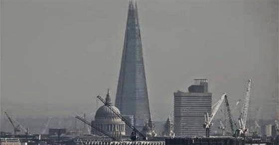 Εκκενώνεται ουρανοξύστης στο Λονδίνο γιατί