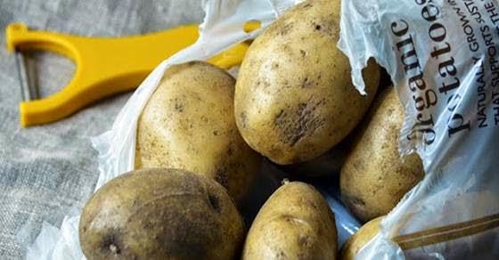 Έτσι καθαρίζετε ένα σακί πατάτες σε 1 λεπτό