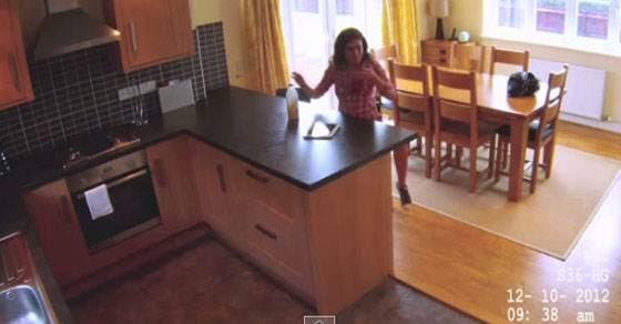 Έβαλε κάμερα για να δει τι κάνει σπίτι του η καθαρίστρια