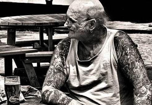 τατουάζ σε ηλικιωμένο 4