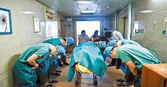Γιατροί προσκυνούν 11χρονο λίγο μετά την απόφαση του να