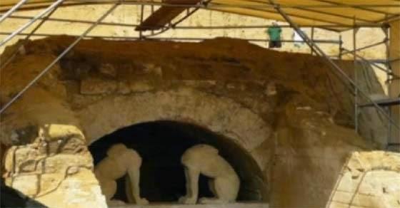 Να σε ποιον πιστεύει ότι ανήκει ο τάφος στην Αμφίπολη