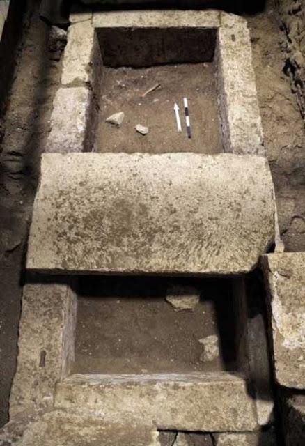 νεκρός του ταφικού μνημείου