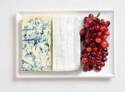 Γαλλία - Μπλε τυρί, τυρί μπρι και σταφύλια.