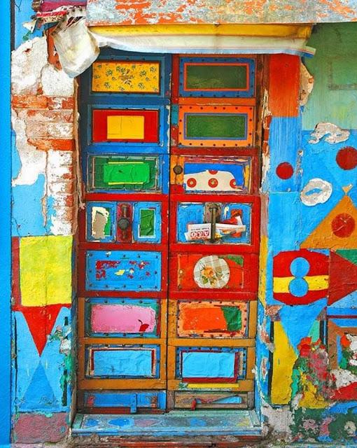 πόρτες ανά τον κόσμο που θυμίζουν ταινία φαντασίας
