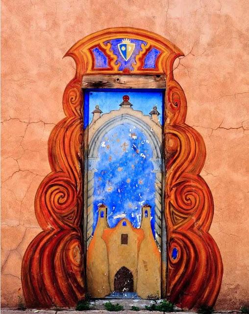 πόρτες ανά τον κόσμο που θυμίζουν ταινία φαντασίας3