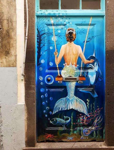πόρτες ανά τον κόσμο που θυμίζουν ταινία φαντασίας9